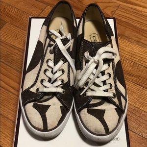 Coach sneaker size 8